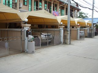 Ban Rak Townhouse