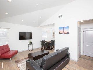 Hollywood Luxury Home (NoHo)