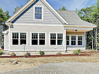 Brand-New 2BR Cottage w/ Pool, Near Kennebunkport