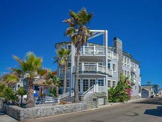 Custom-Built Luxury 4BR Beachfront – Walk to Shops & Restaurants