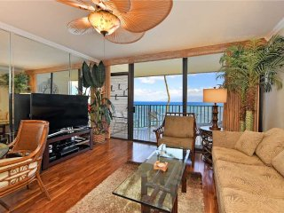 Tropical Direct Ocean Front Condo on Top Floor ~ Kahana Reef #404