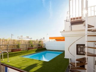 Relator Terrace. 3 bedrooms, 3 bathrooms, terrace & private pool
