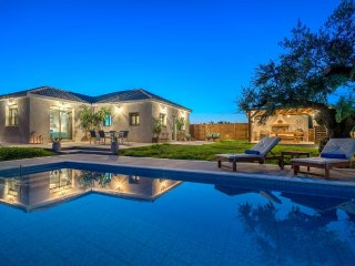 Alonia 3-Bedroom Villa with Private Pool