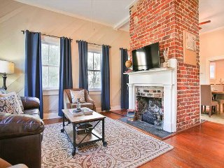 Stay Local in Savannah: 2BD/2.5BA with Historic Charm and Modern Amenities