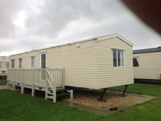 Skegness, 3 Bedroom at Highfields Caravan Park, sleeps 4 adults & 2 children