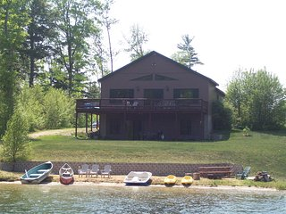 Snowshoe Inn with Pontoon option.