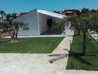 Nuova Villa Eucalipto con piscina