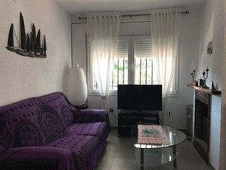 107D - Casa con jardín privado y Wi-Fi
