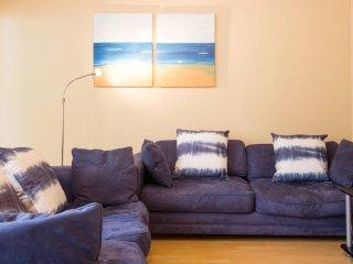 Modern Upmarket 1bedroom Flat in Tamboerskloof, Cape Town