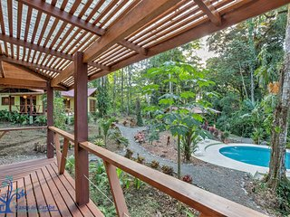 Casa Medina: 2 bedroom jungle house with AC and huge pool