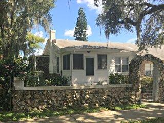 Historical Cozy Cottage
