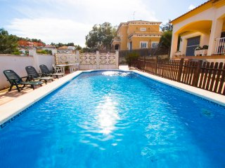 Catalunya Casas: Villa Borras in the hills of Costa Dorada only 3km to the beach