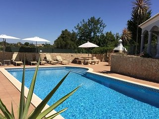 Fantastic modern villa, 3 bedrooms, swimming pool, 5 min drive from beach