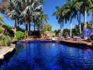 Upscale Hacienda, meals included,boat trip,massajes,private pool, come to enjoy!