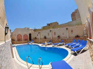 Fabulous Luxury Holiday Farmhouse with Large Private Pool in Island of Gozo
