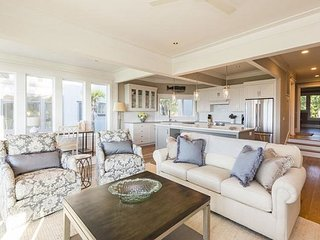 Incredible, completely renovated OCEANFRONT Villa in popular Mariners Watch!