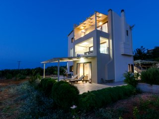 Modern ground floor villa close to the beach P&A