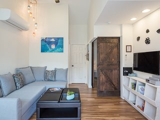 Cozy Modern Guest House by Alberta Arts District - 15 minutes drive to downtown!