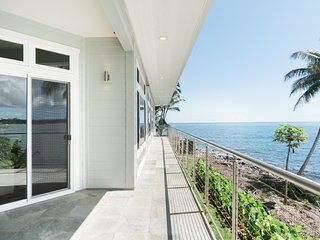 Oceanfront House with Panoramic Views of Hilo Bay!