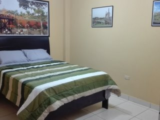 Casa Hospedaje a 4 minutos del Aeropuerto Internacional Jorge Chavez