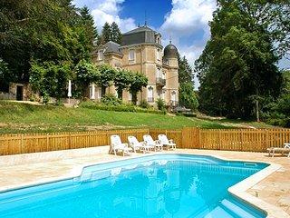 12 bedroom Chateau with Pool and WiFi - 5049853