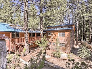 Family-friendly 6BR South Lake Tahoe Cabin w/Views