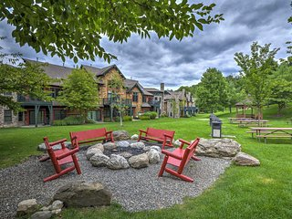 Cozy Vernon Condo-Deck, Mountain Views & Fire Pit!