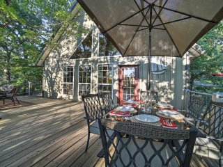 NEW! 3BR Eucha House w/ Large Deck & Lake Access!