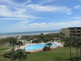 Ocean View With 3 Bedrooms 2 Bathrooms at Colony Reef Club 2411