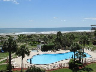Ocean View With 3 Bedrooms 2 Bathrooms 2410
