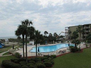 Ocean View With 3 Bedrooms 2 Bathrooms 2208