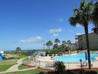 Ocean front with 3 bedrooms 2 bathrooms 2106