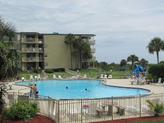 3 Bedrooms 2 Bathrooms at Colony Reef Club with great pool access 1105
