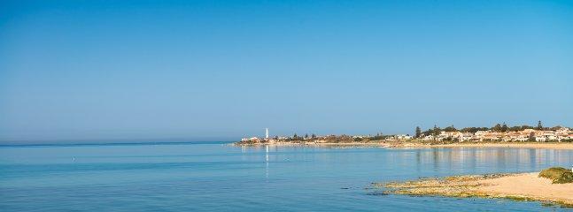 immersa nel verde della terra di Montalbano a 10 minuti dalla spiaggia