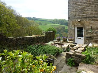 Holmfirth Cottage for 2
