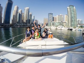 TOP8 BOAT AND YACHT RENTAL Majesty 101