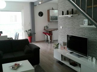 NICE APARTMENT IN CENTER OF TROGIR WITH GARDEN AND BBQ