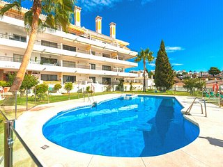 Bright and Spacious 1 bedroom Apartment with Sea and Mountain views in Riviera