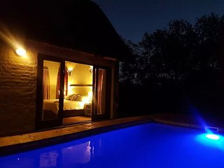 Ujabule 8 Sleeper Self Catering Bush Lodge