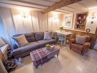 SKN30 Cottage in Great Rollrig