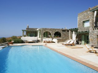 Villa Juno fabulous view & pool, by JJ Hospitality