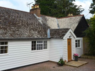 BT046 House in Stonegate