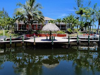 Palm Breeze - Cape Coral 3b/2ba luxury home