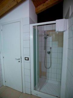 Duomo home design-bathroom