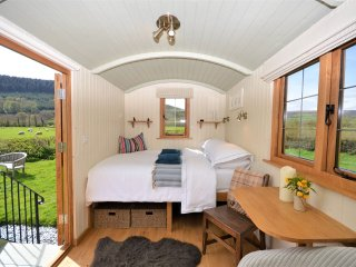 46685 Log Cabin in Crickhowell