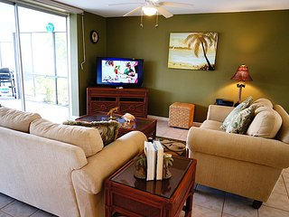 Hibiscus - SW Cape Coral 3b/2ba electric heated pool home, gulf access.