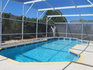 BP20 : 3 Bedrooms Pool Home near Disney