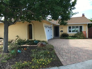 FURNISHED 3bd/2ba HOME CANYON(ENDERS-6933)