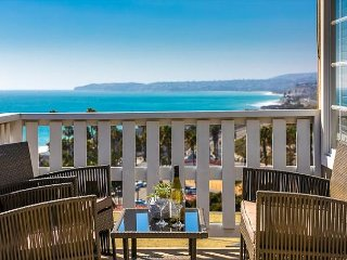 25% OFF APR/MAY - Perfect Family Location, Views, Steps to Beach & More!