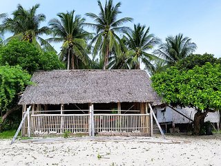 Big Bungalow Hut